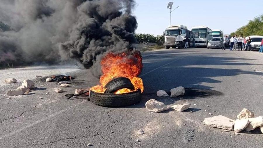 سوسة : غلق الطريق احتجاجا على الزيادة الأخيرة في الأسعار