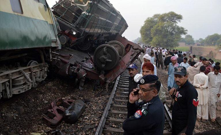 باكستان : أكثر من 30 قتيلا في اصطدام قطارين