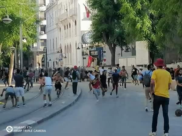 مواجهات في شارع الحبيب بورقيبة