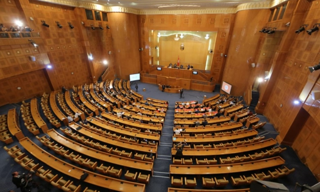 بسبب تفشي كورونا، البرلمان يصادق على اقرار تدابير استثنائية لضمان استمرارية عمله