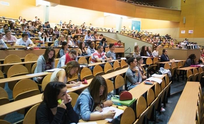 وزارة التعليم العالي توضّح قرارات الحكومة بخصوص تعليق الدروس